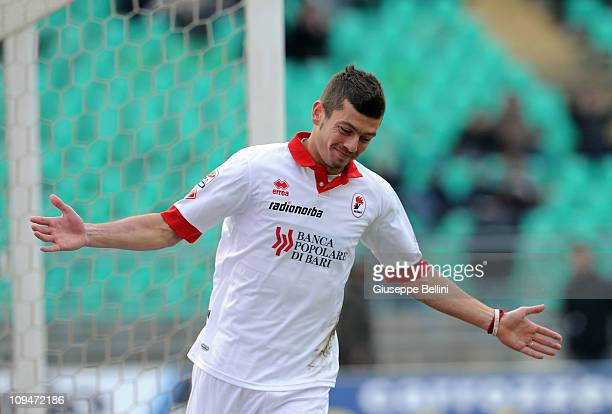 Massimo Donati of Bari during the Serie A match between AS Bari and ACF Fiorentina at Stadio San Nicola on February 27 2011 in Bari Italy
