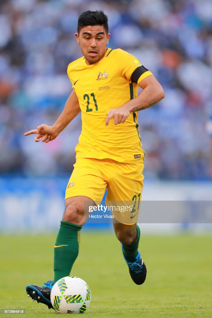Massimo Luongo of Australia drives the ball during a first leg match between Honduras and Australia as part of FIFA World Cup Qualifiers Play Off at Estadio Olimpico Metropolitano on November 10, 2017 in San Pedro Sula, Honduras.