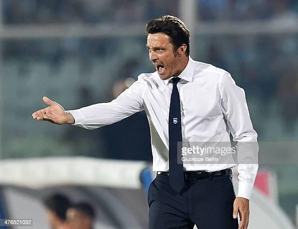 Massimo Oddo head coach of Pescara during first leg of the Serie B playoff final match between Pescara Calcio and Bologna FC at Adriatico Stadium on...