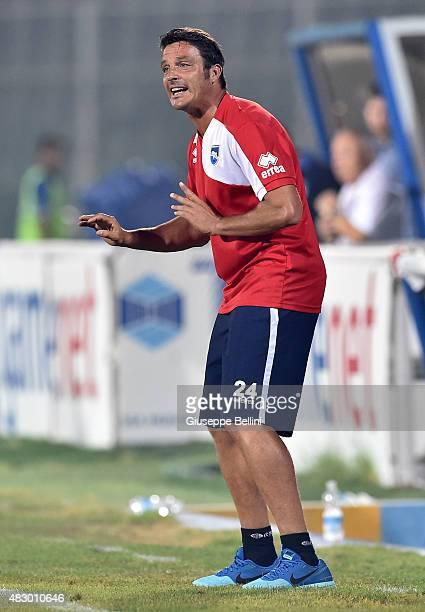 Massimo Oddo head coach of Pescara during the preseason friendly match between Pescara Calcio and US Sassuolo Calcio at Adriatico Stadium on August 2...