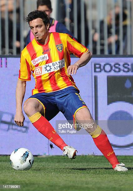 Massimo Oddo of Lecce in action during the Serie A match between US Lecce and US Citta di Palermo at Stadio Via del Mare on March 18 2012 in Lecce...