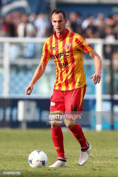 Massimo Volta of Benevento Calcio during the Italian Serie B 2018/2019 match between Pescara Calcio 1936 FC and Benevento Calcio at Adriatico...