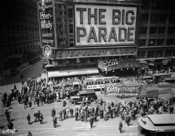 A massive publicity stunt outside the Astor Theatre in New York for the World War I drama 'The Big Parade' directed by King Vidor Neon signs around...