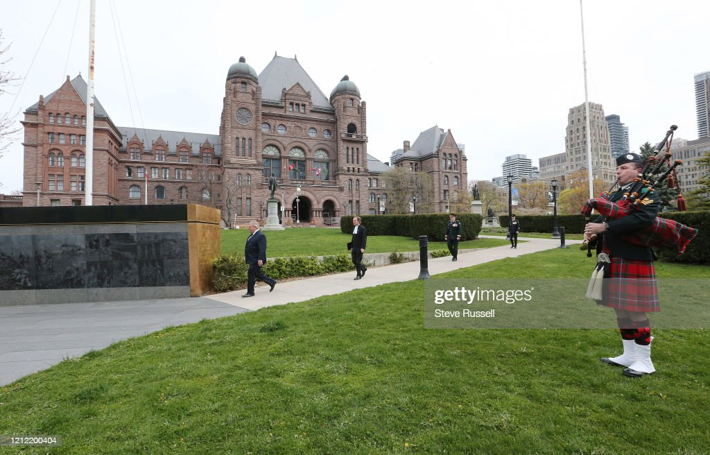 Premier Doug Ford attends wreath-laying ceremony to mark the 75th anniversary of Victory in Europe Day at the Ontario Veterans' Memorial South lawn of the Legislative Building Queen's Park Toronto. The ceremony was closed to the public due to the ongoing C : ニュース写真