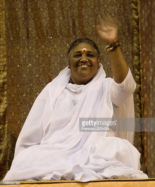 Mata Amritanandamayi better known as AMMA in Pontoise during her European Tourin Pontoise France on October 2008