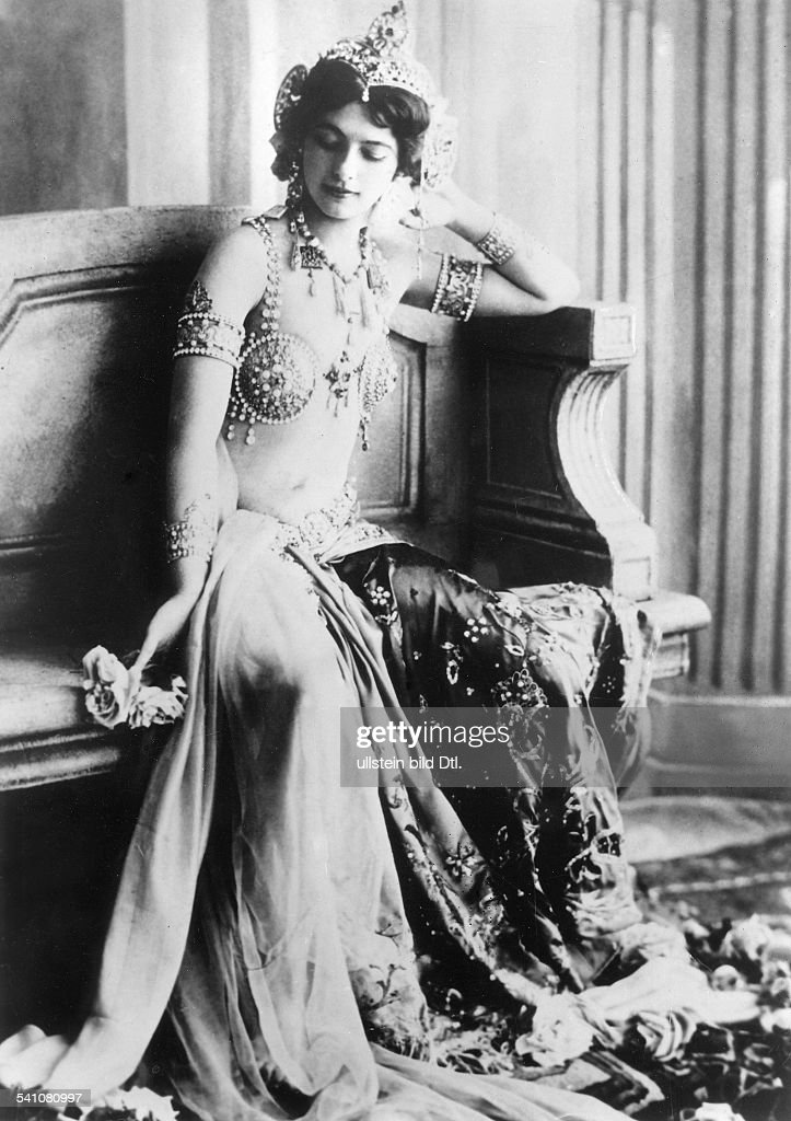 On This Day - October 15 - Exotic Dancer Mata Hari Executed For Spying During WWI