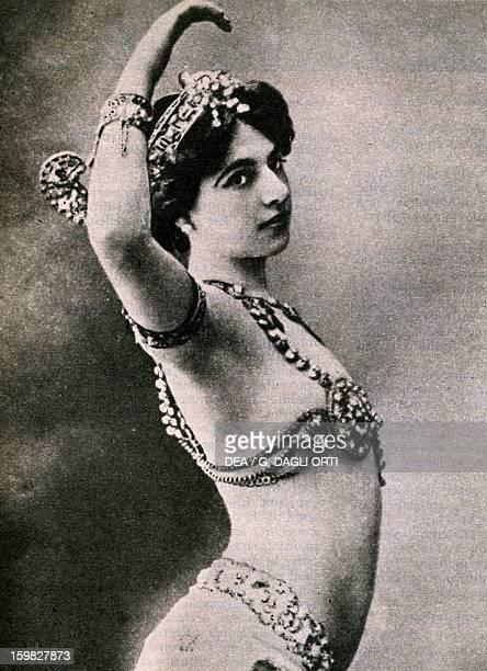Mata Hari pseudonym of Margaretha Geertruida Zelle Dutch dancer and spy Postcard Paris Hôtel Carnavalet