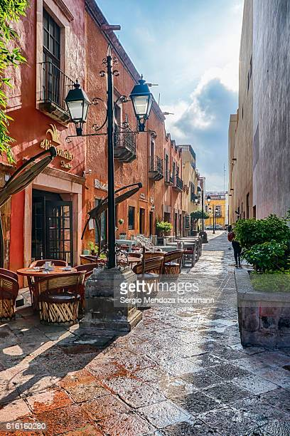 matamoros alley in queretaro, mexico - queretaro state stock pictures, royalty-free photos & images