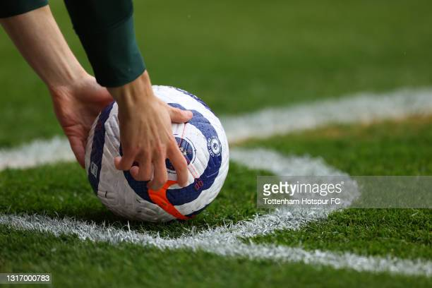 Match ball is placed by Giovani Lo Celso of Tottenham Hotspur as he prepares to take a corner kick during the Premier League match between Leeds...