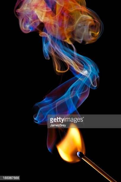 Match des touches en flamme et colorées NON-FUMEUR