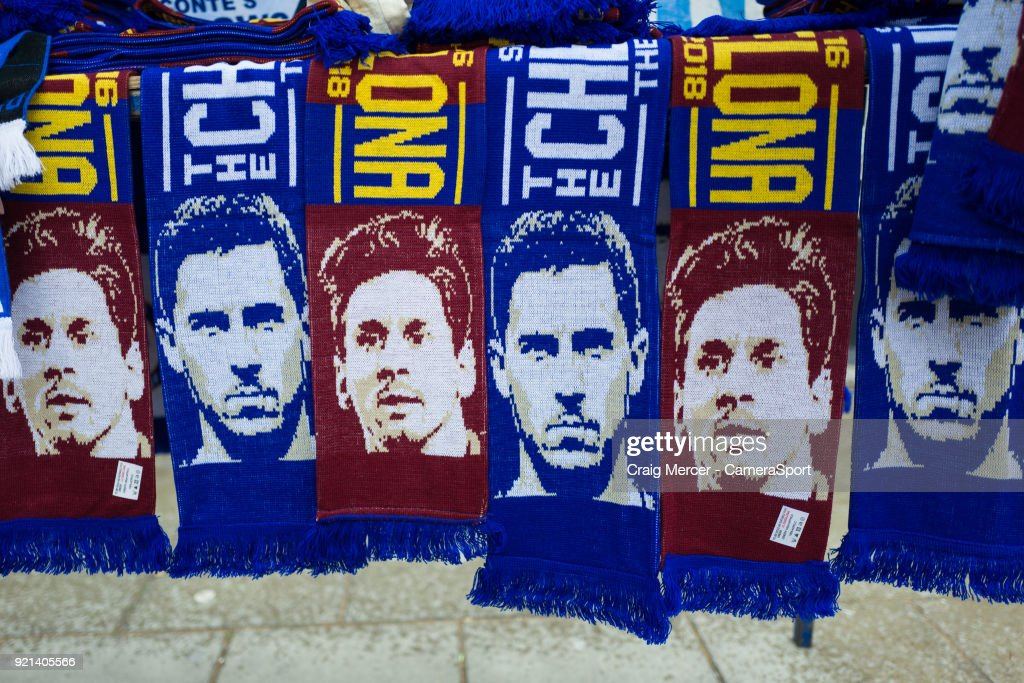https://media.gettyimages.com/photos/match-day-scarves-on-sale-outside-stamford-bridge-home-of-chelsea-picture-id921405566?k=6&m=921405566&s=594x594&w=0&h=utGB31Wso7nVhCT-bIaqPZxie4bjFCIyVwCf9r5605M=