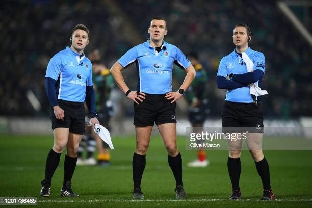 Match officials waits for a video referee decision whether or not Api Ratuniyarawa of Northampton Saints would receive a red card during the...