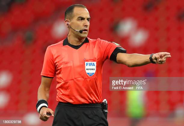 Match referee Esteban Ostojich gestures during the FIFA Club World Cup Qatar 2020 Second Round match between Tigres UANL and Ulsan Hyundai FC at the...
