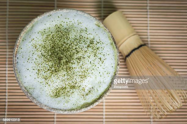 matcha green tea latte - lifeispixels stock pictures, royalty-free photos & images