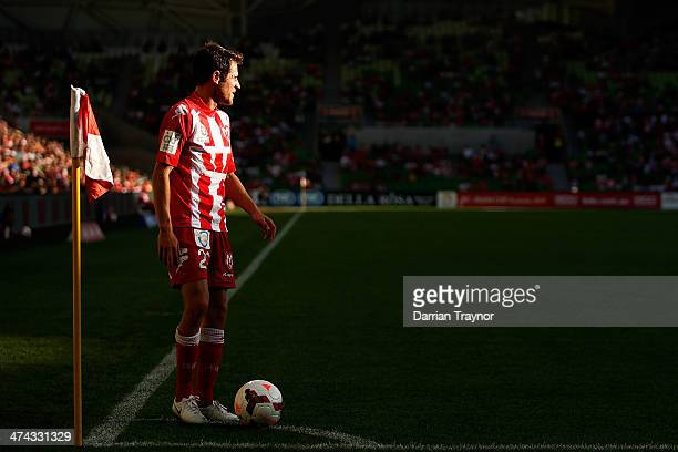 Mate Dugandzic of Melbourne takes a corner kick during the round 20 ALeague match between Melbourne Heart and Brisbane Roar at AAMI Park on February...