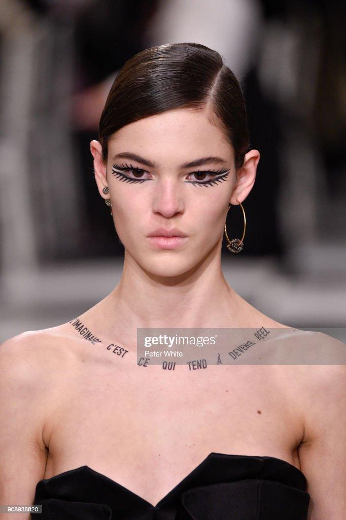 Christian Dior : Runway - Paris Fashion Week - Haute Couture Spring Summer 2018 : News Photo