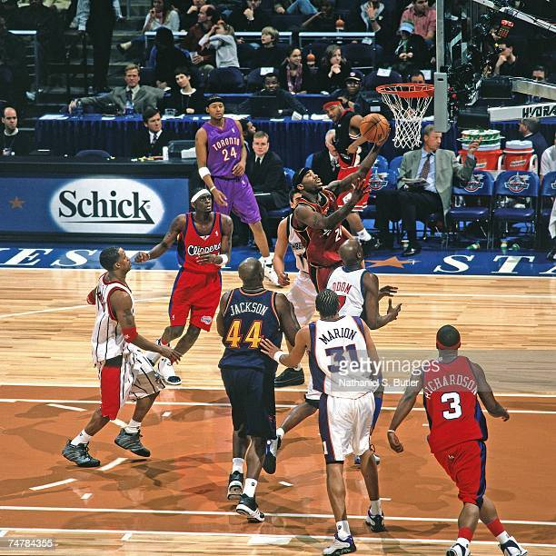 Mateen Cleaves of the Rookies attempts a layup against the Sophmores during the 2001 Rookie Challenge on February 10, 2001 at the MCI Center in...