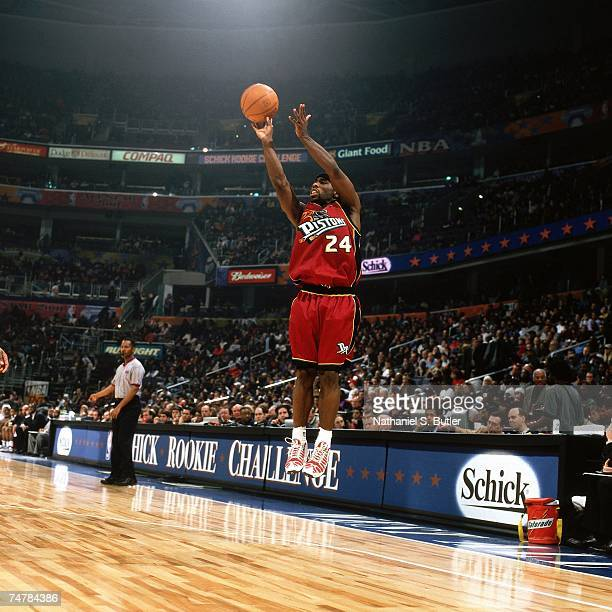 Mateen Cleaves of the Rookies shoots a jumpshot against the Sophmores during the 2001 Rookie Challenge on February 10, 2001 at the MCI Center in...