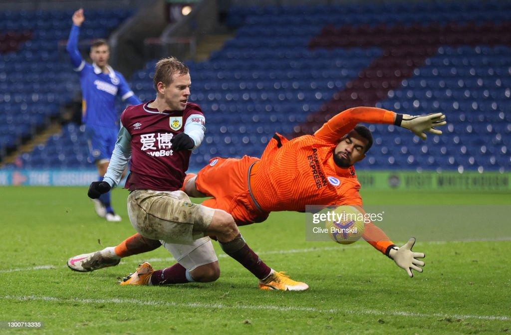 Burnley v Brighton & Hove Albion - Premier League : ニュース写真