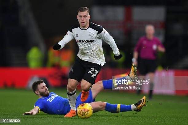 Matej Vydra of Derby in action with Stuart Dallas of Leeds during the Sky Bet Championship match between Derby County and Leeds United at iPro...