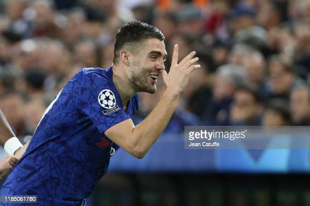 Mateo Kovacic of Chelsea celebrates his goal during the UEFA Champions League group H match between Valencia CF and Chelsea FC at Estadio Mestalla on...
