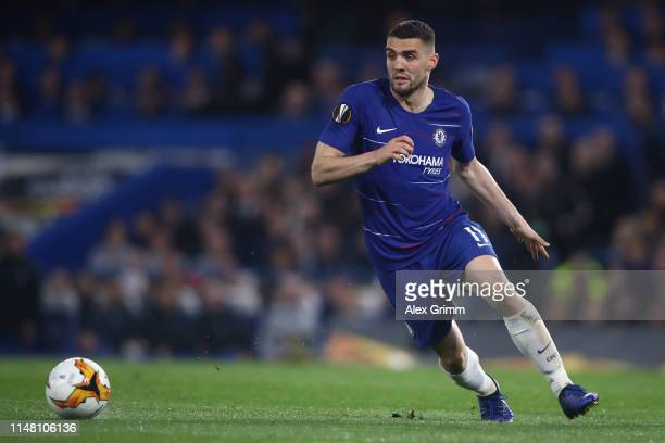 Mateo Kovacic of Chelsea controls the ball during the UEFA Europa League Semi Final Second Leg match between Chelsea and Eintracht Frankfurt at...