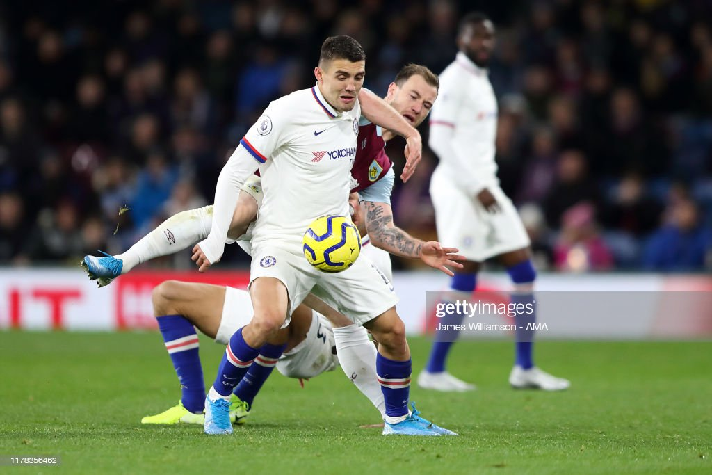 Burnley FC v Chelsea FC - Premier League : News Photo