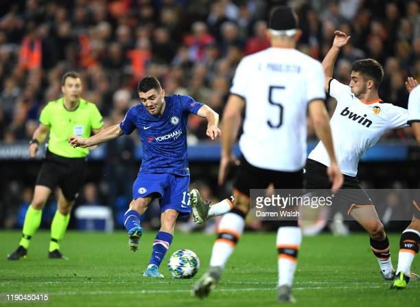 Mateo Kovacic of Chelsea scores his team's first goal during the UEFA Champions League group H match between Valencia CF and Chelsea FC at Estadio...
