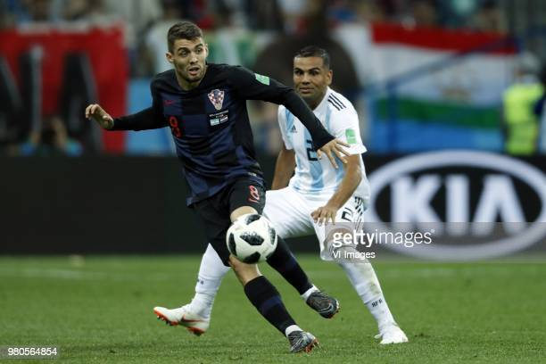 Mateo Kovacic of Croatia Gabriel Mercado of Argentina during the 2018 FIFA World Cup Russia group D match between Argentina and Croatia at the...