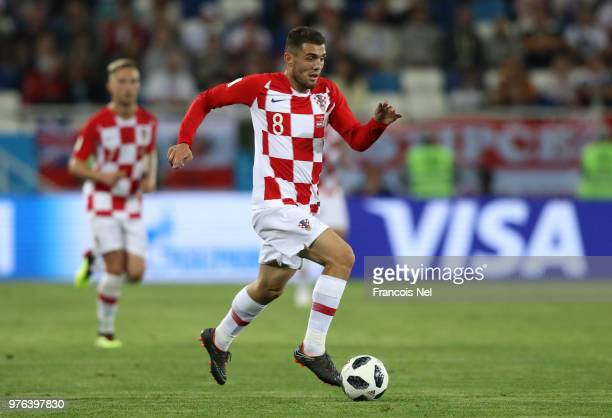 Mateo Kovacic of Croatia runs with the ball during the 2018 FIFA World Cup Russia group D match between Croatia and Nigeria at Kaliningrad Stadium on...