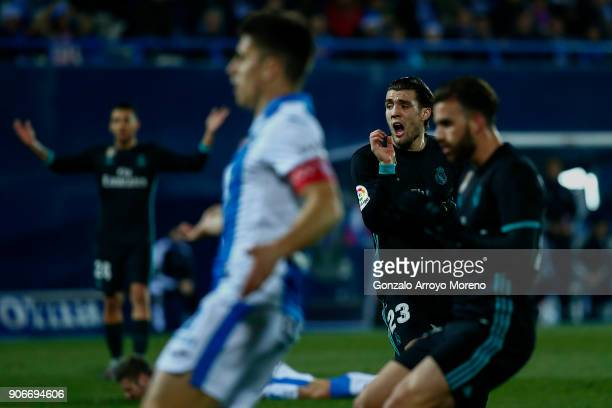 Mateo Kovacic of Real Madrid CF reacts as he fail to score during the Copa del Rey quarter final first leg match between Real Madrid CF and Club...