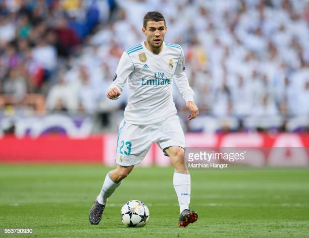 Mateo Kovacic of Real Madrid controls the ball during the UEFA Champions League Semi Final Second Leg match between Real Madrid and Bayern Muenchen...