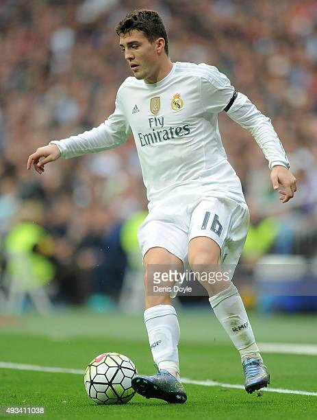 Mateo Kovacic of Real Madrid in action during the La Liga match between Real Madrid CF and Levante UD at estadio Santiago Bernabeu on October 17 2015...