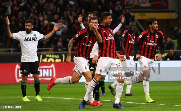 Mateo Musacchio of AC Milan celebrates after scoring the opening goal during the Serie A match between AC Milan and US Sassuolo at Stadio Giuseppe...