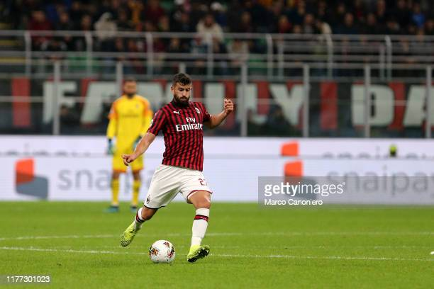 Mateo Musacchio of Ac Milan in action during the Serie A match between Ac Milan and Us Lecce. The match ends in a draw 2 - 2.