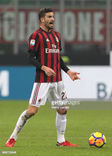 Mateo Musacchio of AC Milan shouts during the serie A match between AC Milan and Atalanta BC at Stadio Giuseppe Meazza on December 23 2017 in Milan...
