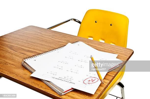 exame de matemática - boletim escolar imagens e fotografias de stock
