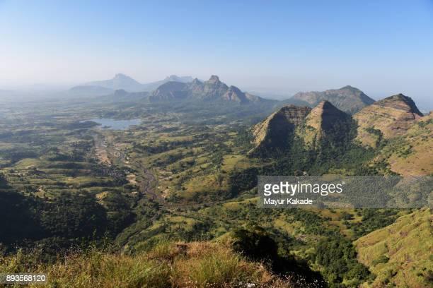 matheran valley view - hügelkette stock-fotos und bilder