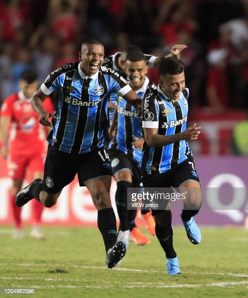 Matheus Henrique of Gremio celebrates after scoring the second goal of his team during the Group E match between America de Cali and Gremio as part...