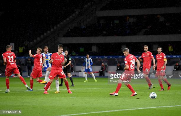 Matheus Santos Carneiro Da Cunha of Hertha Berlin scores the 3rd goal during the Bundesliga match between Hertha BSC and 1 FC Union Berlin at...