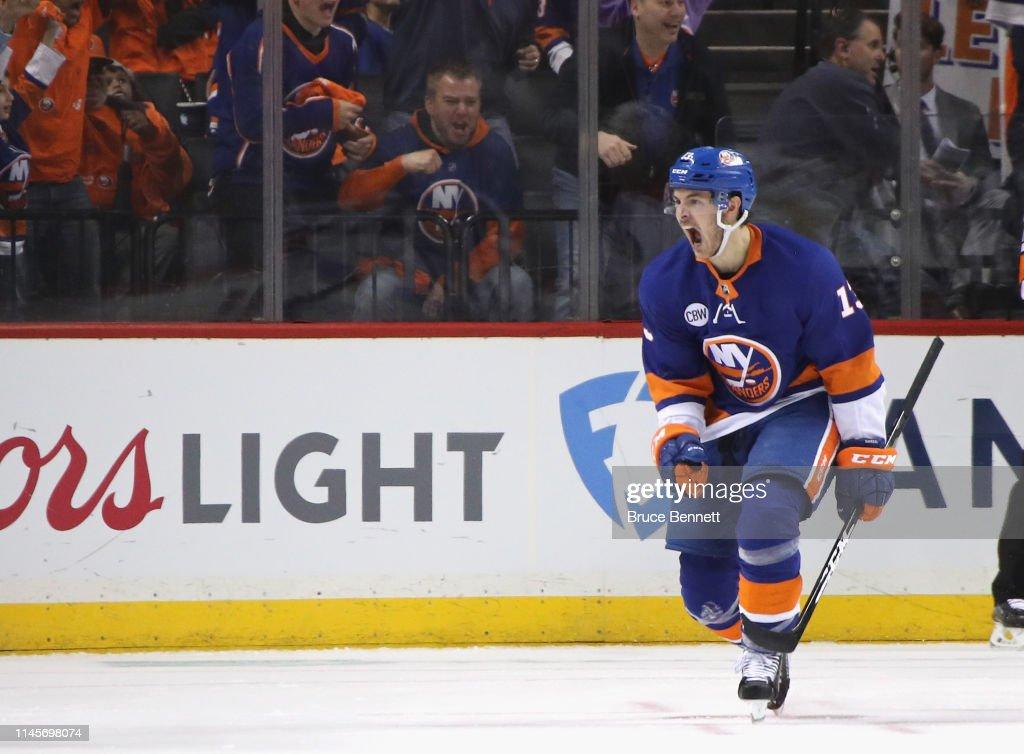 Carolina Hurricanes v New York Islanders - Game Two : News Photo