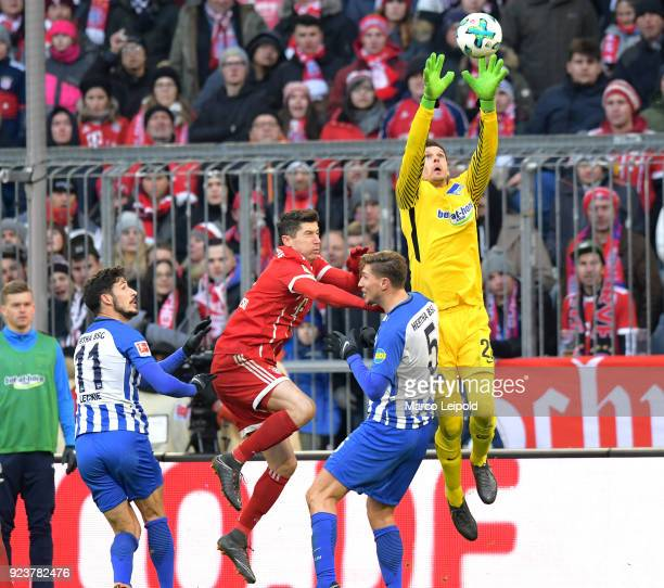 Mathew Leckie of Hertha BSC Robert Lewandowski of FC Bayern Muenchen Niklas Stark and Rune Almenning Jarstein of Hertha BSC during the Bundesliga...