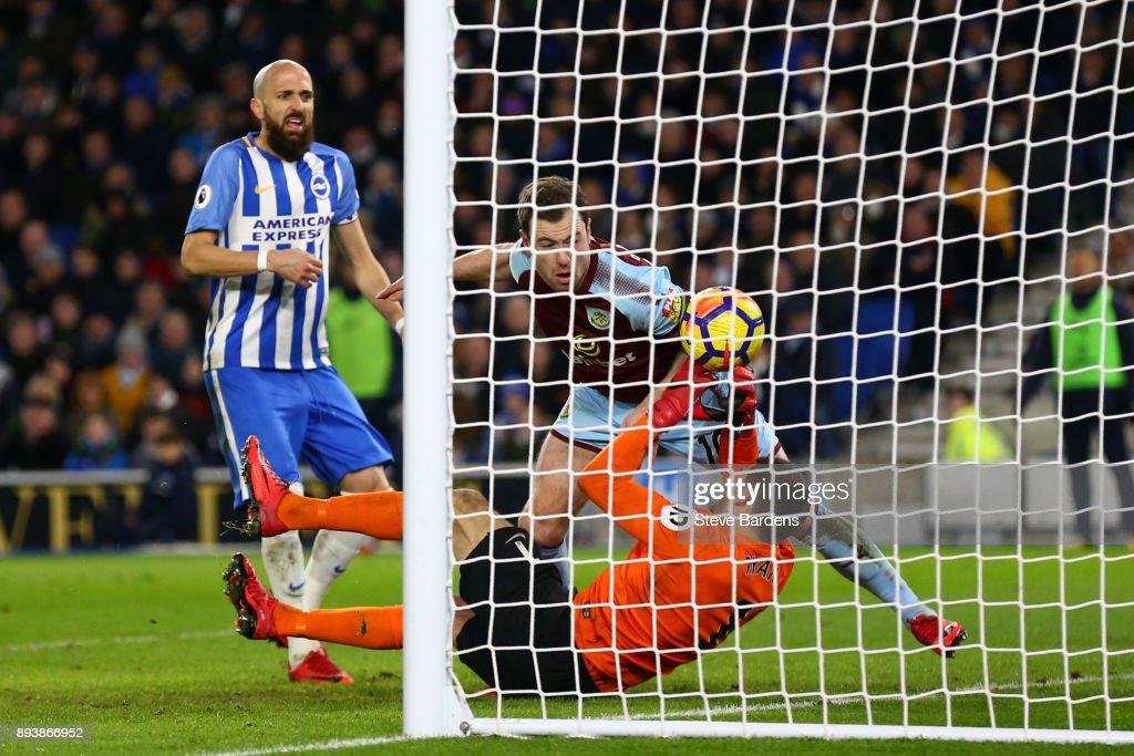 Brighton and Hove Albion v Burnley - Premier League : News Photo