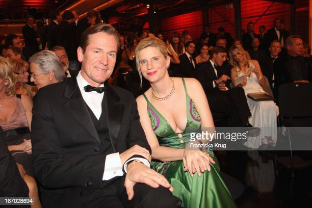 Mathias Doepfner Und Ehefrau Ulrike Bei Der Party Nach Der Verleihung Der Goldenen Kamera In Berlin