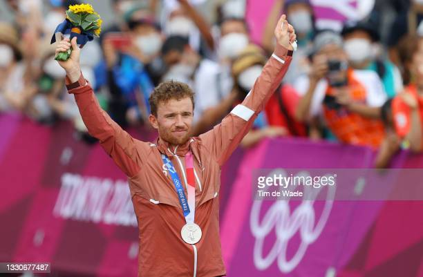 Mathias Flueckiger of Team Switzerland poses with the silver medal after the Men's Cross-country race on day three of the Tokyo 2020 Olympic Games at...