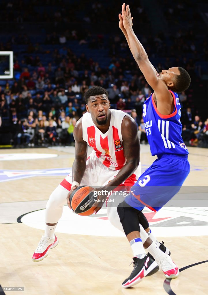 Mathias Lessort, #26 of Crvena Zvezda mts Belgrade competes with Errick McCollum, #3 of Anadolu Efes Istanbul during the 2017/2018 Turkish Airlines EuroLeague Regular Season Round 17 game between Anadolu Efes Istanbul and Crvena Zvezda mts Belgrade at Sinan Erdem Dome on January 12, 2018 in Istanbul, Turkey.