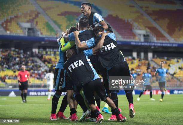 Mathias Olivera of Uruguay celebrates with team mates after scoring his teams second goal during the FIFA U-20 World Cup Korea Republic 2017 group D...