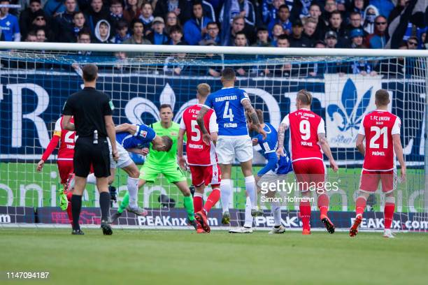 Mathias Wittek of Darmstadt scores his team's second goal during the Second Bundesliga match between SV Darmstadt 98 and 1 FC Union Berlin at...