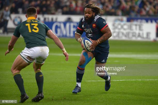 Mathieu Bastareaud of France runs with the ball during the test match between France and South Africa at Stade de France on November 18 2017 in Paris...