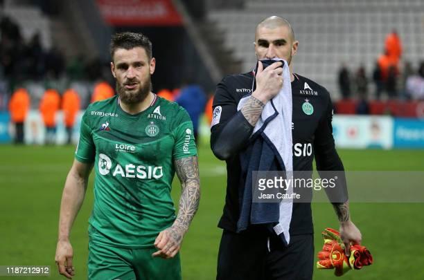 Mathieu Debuchy of Saint-Etienne, goalkeeper of Saint-Etienne Stephane Ruffier following the Ligue 1 match between Stade de Reims and AS...